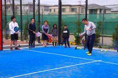 テニス経験者も楽しい! スペイン発祥の新スポーツ「パデル」を家族で体験してきた