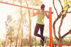 意外と知らない?公園のストレッチ&健康器具とその使い方