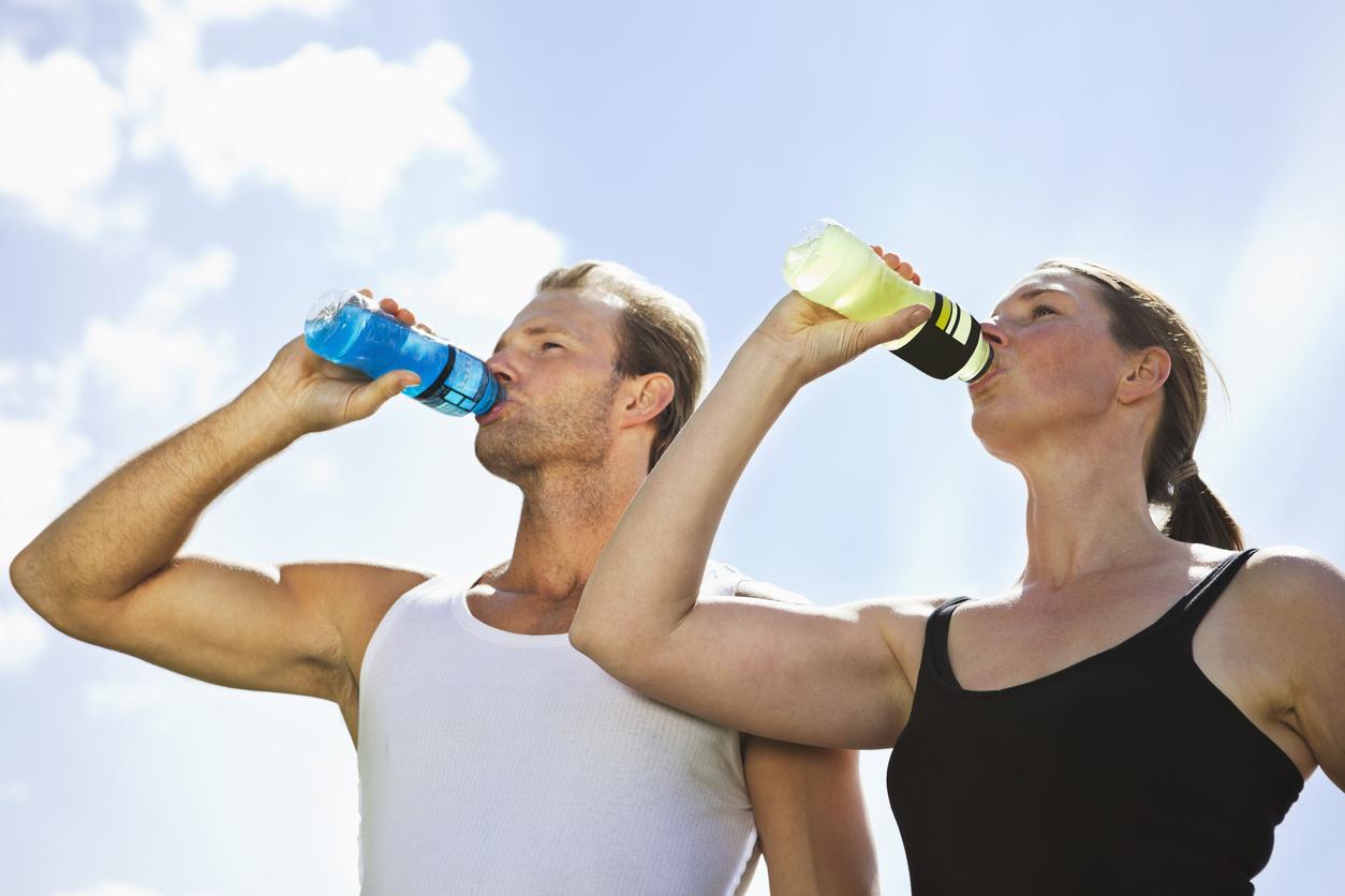 運動に適した飲み物は?有名スポーツドリンクの成分を比較してみた