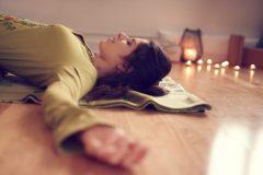 「マインドフルネス」の一般化で瞑想が身近に! 生活に取り入れやすいヨガにおける瞑想の効果と方法とは?