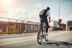 """安全走行のために覚えておきたい、自転車の""""ハンドサイン(手信号)"""""""
