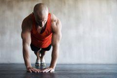 トライアスリート必読。筋肉トレーニングのバイブル『トライアスロン アナトミィ』│スポーツがしたくなる今月の1冊