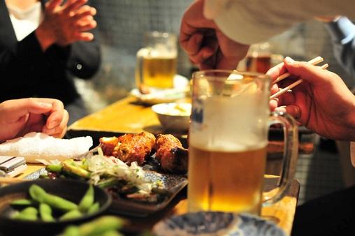 ダイエット中なのに飲み会続き…対策方法は?太りにくい食事法を栄養士に聞いた