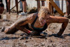 アグレッシブすぎる障害物レース「スパルタンレース」の魅力とは?泥にまみれ、有刺鉄線を乗り越え……たーのしー!