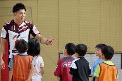 初めての子でも安心!現役日本代表に教わるキッズ向け「フットサル広場」とは