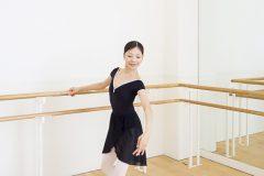 たるみやすい二の腕の内側を鍛えるエクササイズ【バレエダンサーはなぜ細い?バレエに学ぶストレッチ(後編)】