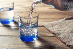 ミネラルウォーターと天然水の違いは?硬水と軟水どっちが健康におすすめ?「水」の種類と特徴