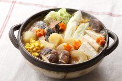 ほっくり野菜と味噌&バターのコクがたまらない!体の芯から温まる石狩鍋【スポーツキッズのためのガッツリ飯 Vol.10】