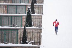 う~寒いっ!冬のランニングを快適にする服装&防寒対策アイテム5選