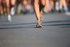 挑戦に年齢は関係ない。72歳ランナーのドキュメント『無我夢中』│スポーツがしたくなる今月の1冊