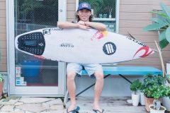 プロサーファー新井洋人「サーフィンは難しいスポーツだから、仲間を見つけることが大切」(後編)│サキドリ!ROAD TO 2020 #2