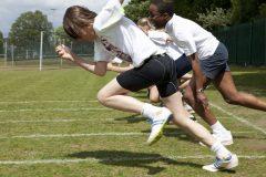 """体育でやった""""あの種目""""。50m走、走高跳、走幅跳……日本・世界記録を調べてみた"""