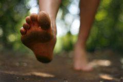 【動画解説】初心者向け!裸足ランニングを始めるための5ステップ
