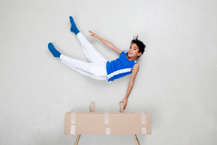 活発なわが子は体操選手になれる?体操教室の場合【子どものスポーツ習い事の費用 #5】