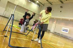 3~8歳対象・参加費2000円!ママ講師が教える「鉄棒教室」&「マット運動教室」