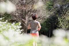 スポーツドクターに聞く花粉症対策。運動前・中・後にやるべき対処法とは