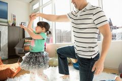 社交ダンスを親子で学ぼう!はじめてのポールルームダンス体験