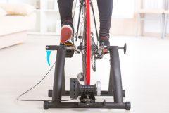 室内でバイクトレーニング!ローラー台の種類・特徴・騒音防止のポイント