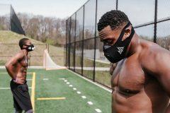 トレーニング時につけるマスク登場!消費カロリーアップ、パフォーマンス向上効果も