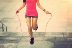 ダイエットや脂肪燃焼に効果的。縄跳びトレーニングメニュー3選