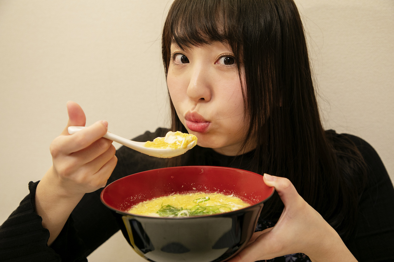 ダイエットや風邪予防に。寒い季節にうれしい「大根おろしたっぷりスープ」│栄養士グラドル椎名香奈江の早うまヘルシーレシピ #11
