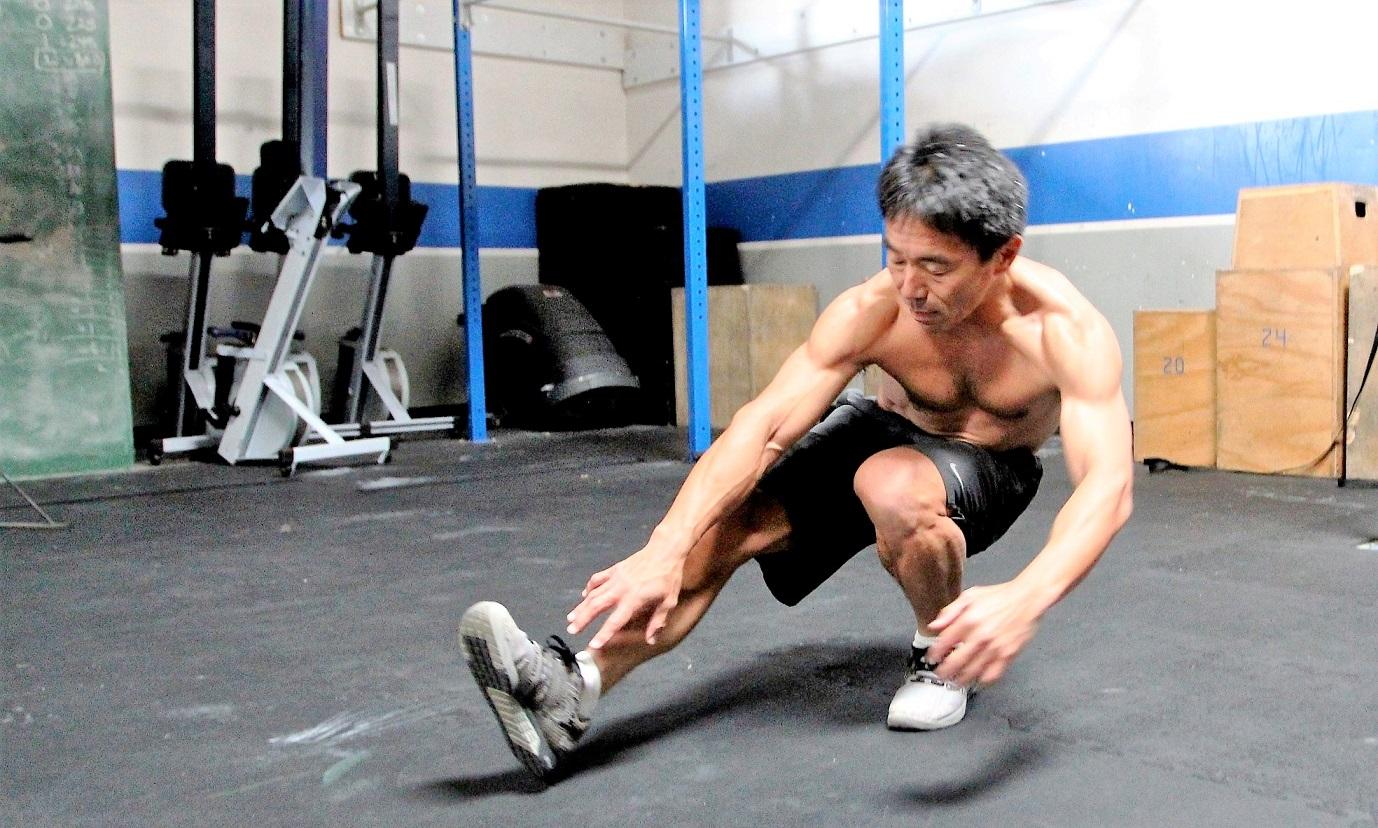 「筋トレでカラダが硬くなる」は誤解。肘・肩・下半身を強化するトレーニングを解説【草野球で役立つ筋トレ】