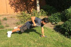 お家で筋トレ:脂肪燃焼・筋肉量アップ・体幹強化に。ダンベルを使った筋トレメニュー3選