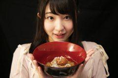 二日酔い防止に。飲み会シーズンに食べたい「焼きおにぎりスープごはん」│栄養士グラドル椎名香奈江の早うまヘルシーレシピ #13