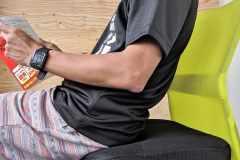 """座りながら腹筋運動、電車でカーフレイズ立ち。時間がなくてもできる""""ながら""""トレーニング&エクササイズグッズ"""