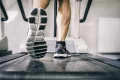 有酸素運動をすると筋肉量が低下するって本当?メガロストレーナーが解答