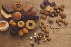 無印良品から「糖質10g以下のお菓子シリーズ」登場。ラインナップは30種類、値段もお手ごろ