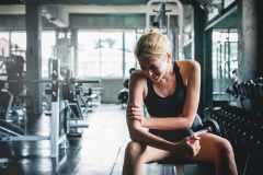 筋肉痛の部位は動かさないほうがいい?運動は休むべき?メガロストレーナーが解答
