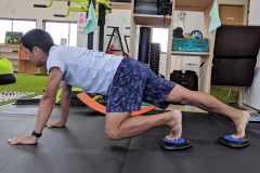 スライドディスクを使った体幹トレーニング「スライド・コア・トレーニング」の効果とやり方