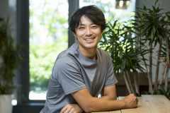 バドミントンは遊びのようなもの。サッカーを習いたくてもダメと言われて……。バドミントン元日本代表・池田信太郎(前編)|子どもの頃こんな習い事してました #27