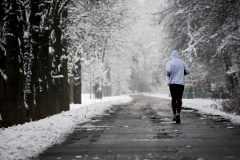 冬の外ランで発熱性インナーはNG。ランニングの寒さ対策で気をつけたいこと