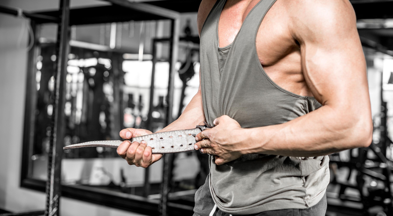 筋トレ初心者にトレーニングベルトは必要?メリットとデメリット、効果的な使い方を解説 | トレーニング×スポーツ『MELOS』