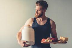 プロテイン、運動しないで飲むと太る?ゴールドジムトレーナーが回答