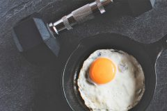 なぜ「卵」は筋トレ民に人気?卵と筋肉の相性を管理栄養士が解説